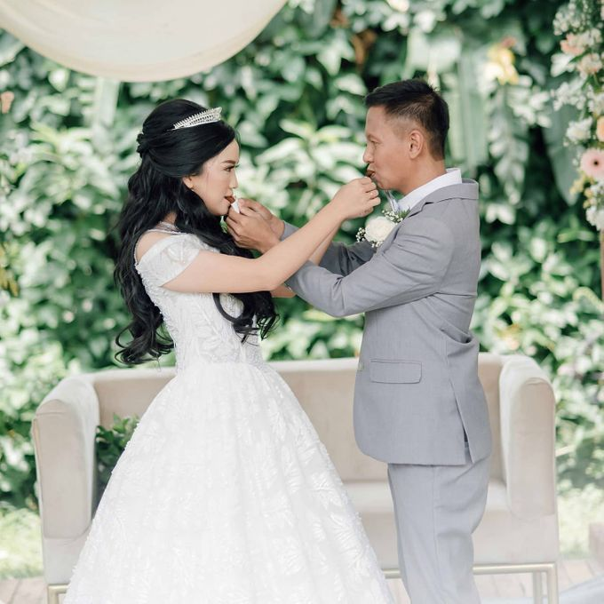 The Wedding of Tonny & Febe by MarisaFe Bridal - 007