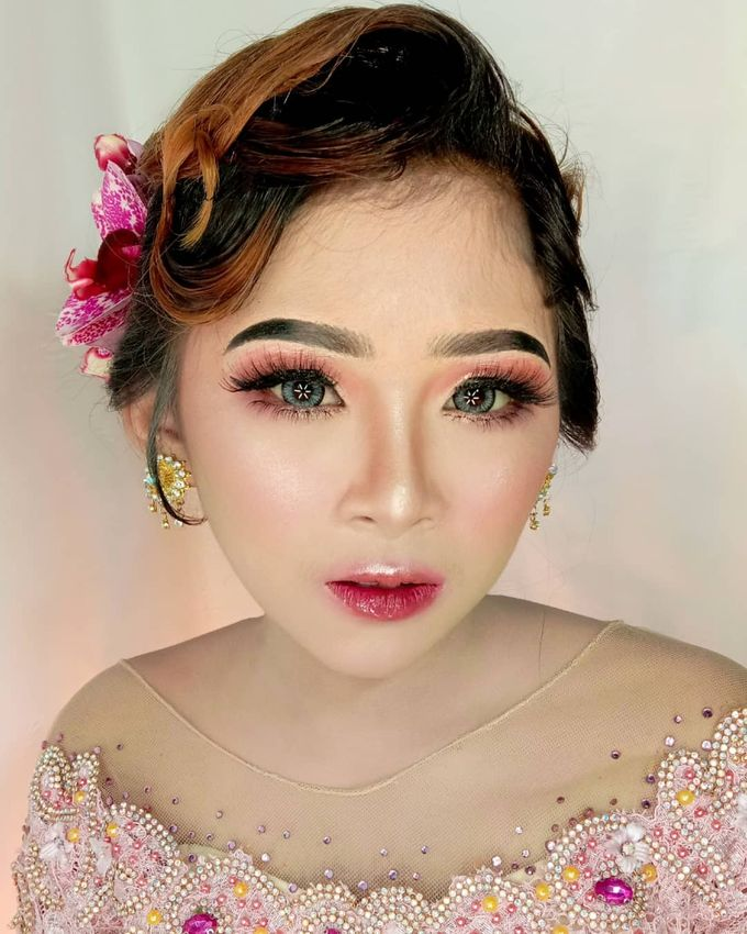 Hairdo Modern by iir bahari professional makeup and wedding - 012