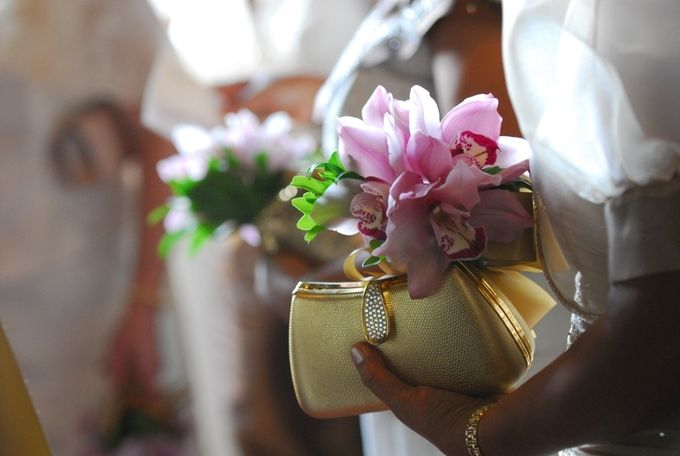 Entourage Flowers by Natural Art Flowers and Decors - 016