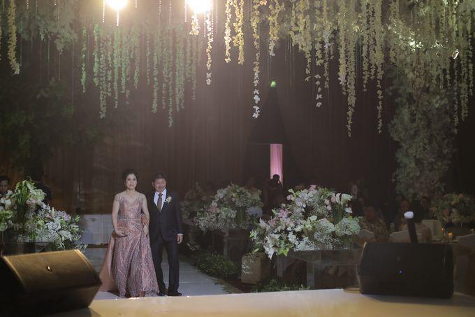 Family Dresses For Engagement & Wedding Of Citro & Bragita by Eliana Andrea - 009