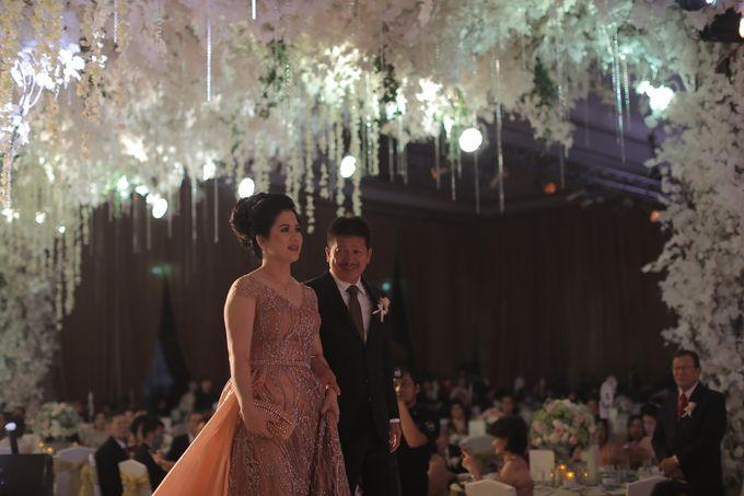 Family Dresses For Engagement & Wedding Of Citro & Bragita by Eliana Andrea - 010