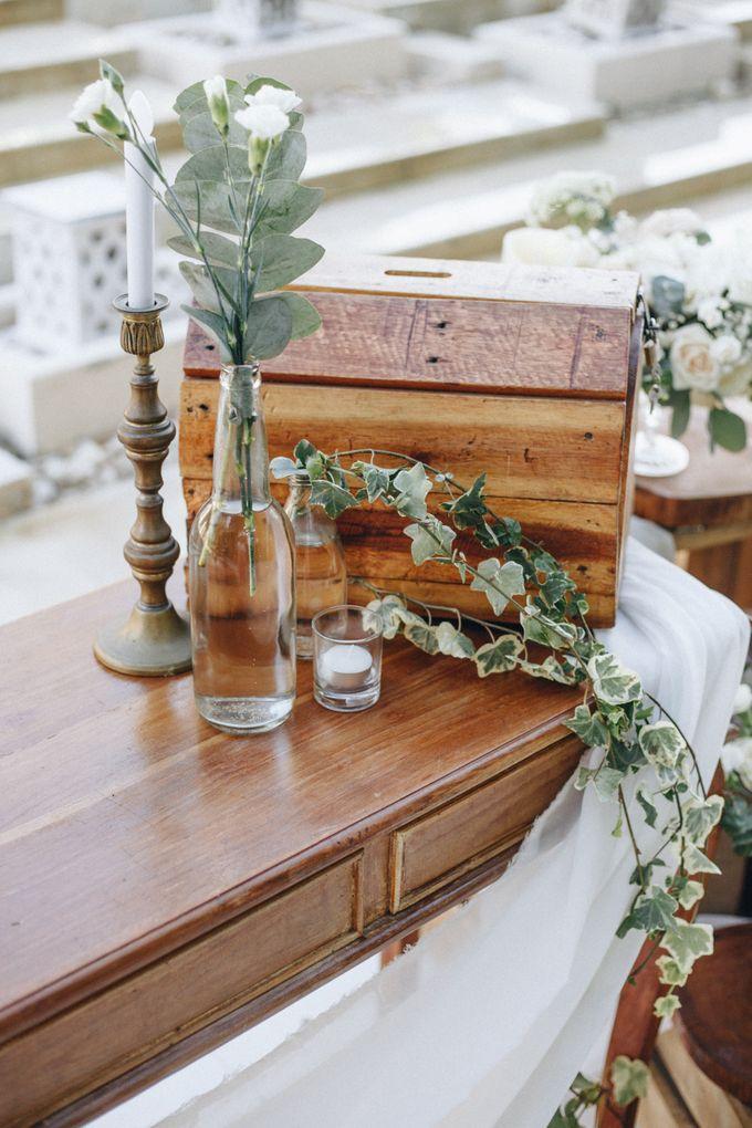 Wedding Decoration at St Regis by Joseph Photo by Red Gardenia - 005