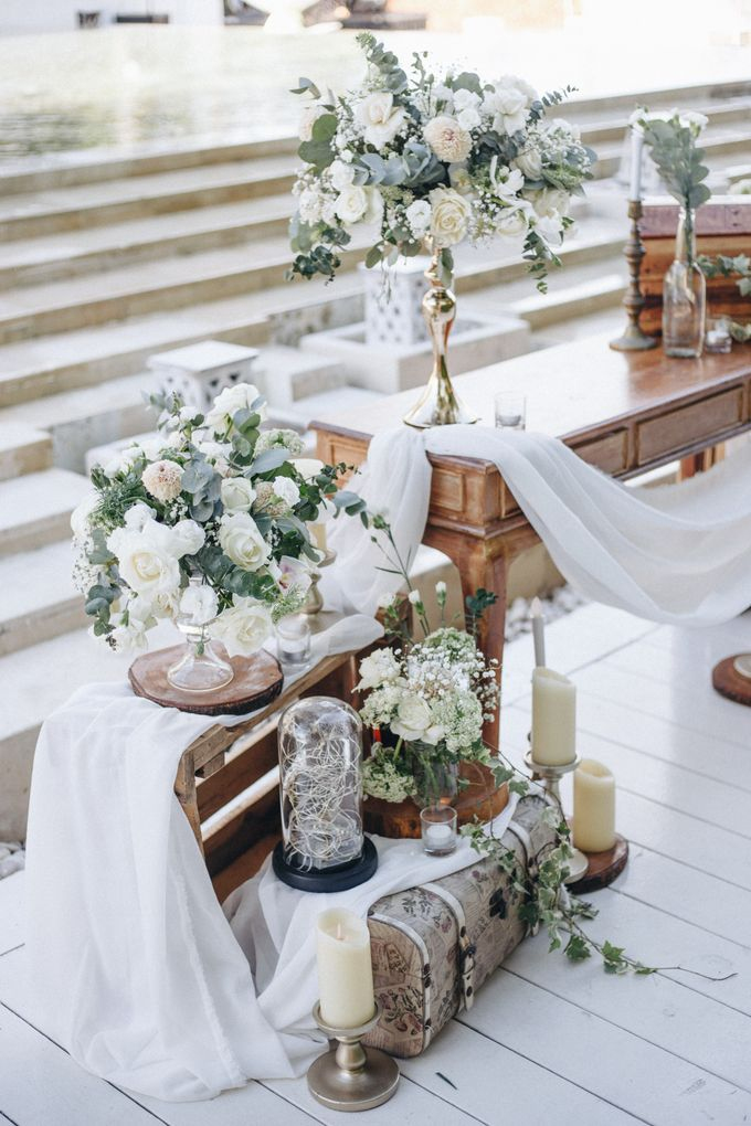 Wedding Decoration at St Regis by Joseph Photo by Red Gardenia - 007