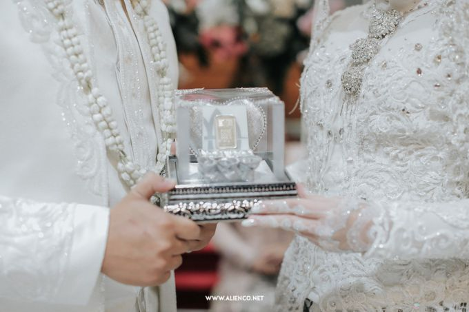 The Wedding Of Shella & Lutfi by alienco photography - 014