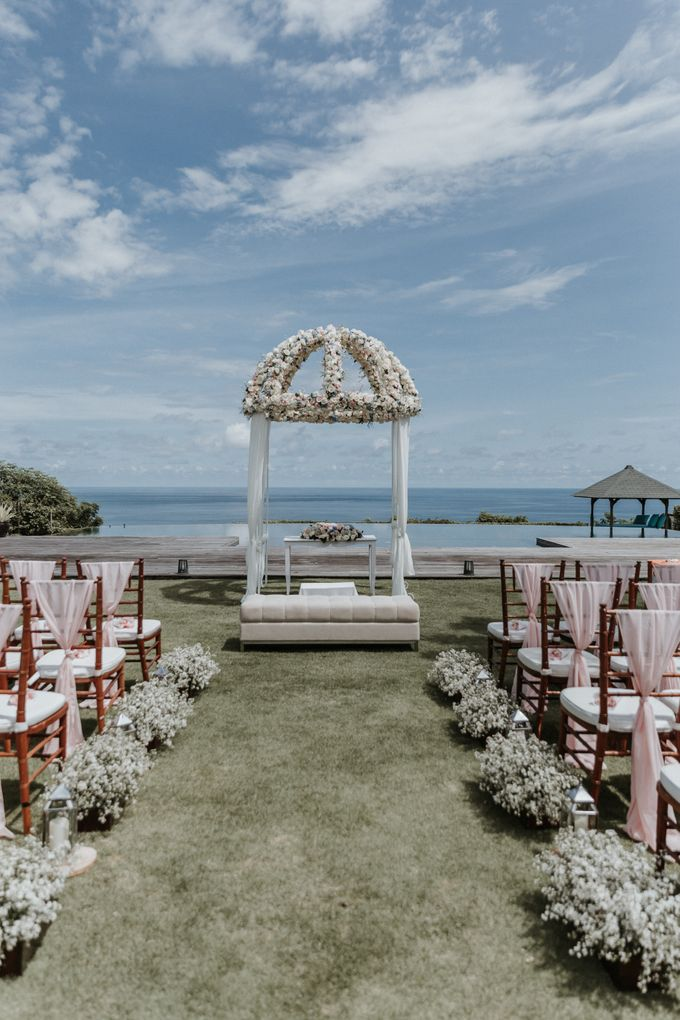 Wedding of Christopher & Catherine at Pandawa Cliff Estate by Silverdust Decoration - 004