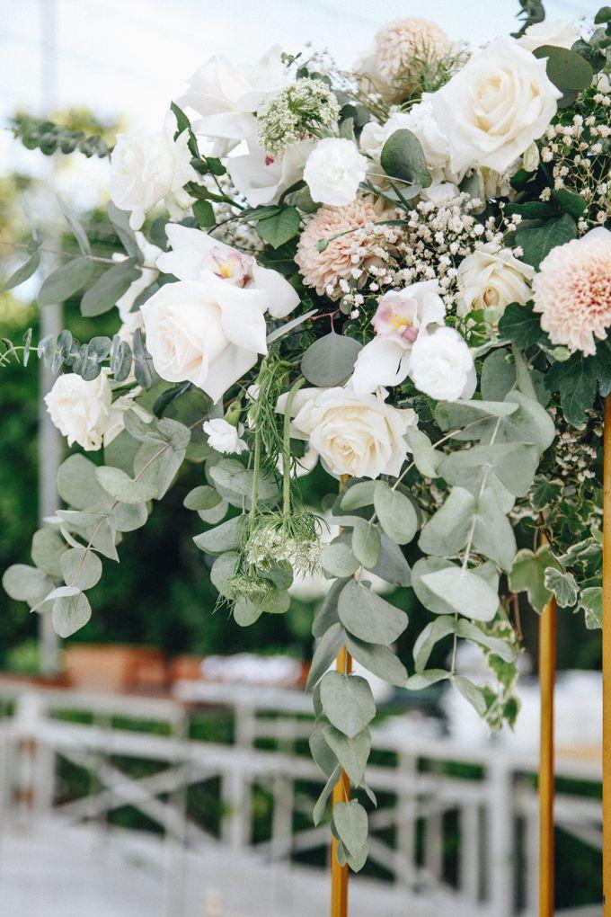 Wedding Decoration at St Regis by Joseph Photo by Red Gardenia - 014