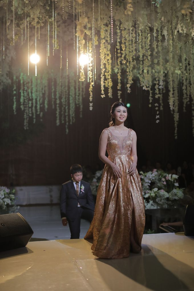 Family Dresses For Engagement & Wedding Of Citro & Bragita by Eliana Andrea - 012