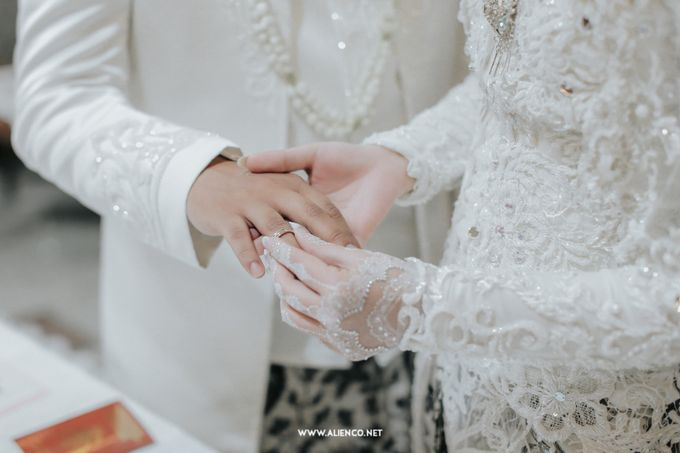 The Wedding Of Shella & Lutfi by alienco photography - 016