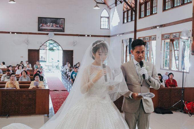 Wedding of Margaretha & Purwo Adi by Ariel Photography - 030