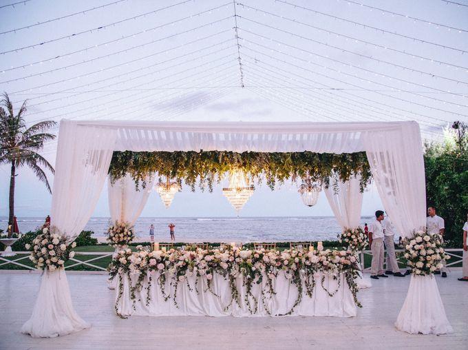 Wedding Decoration at St Regis by Joseph Photo by Red Gardenia - 020