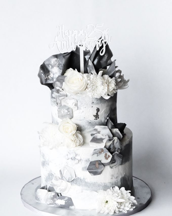 Grey White Buttercream 2 Tiered Cake With White Flowers And