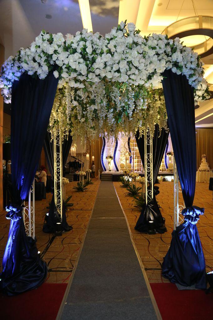 IMAN & LOUISA WEDDING PARTY by The Vida Ballroom - 004