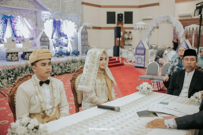 The Wedding Of Fara & Alief by alienco photography - 018