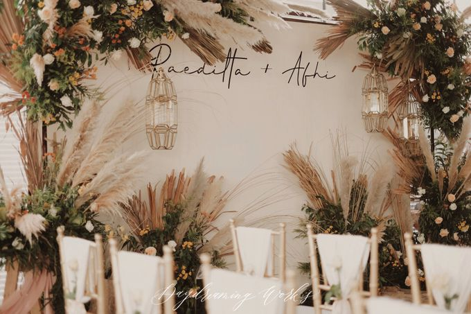 The Engagement of Raedita & Alfi by Daydreaming Works - 001