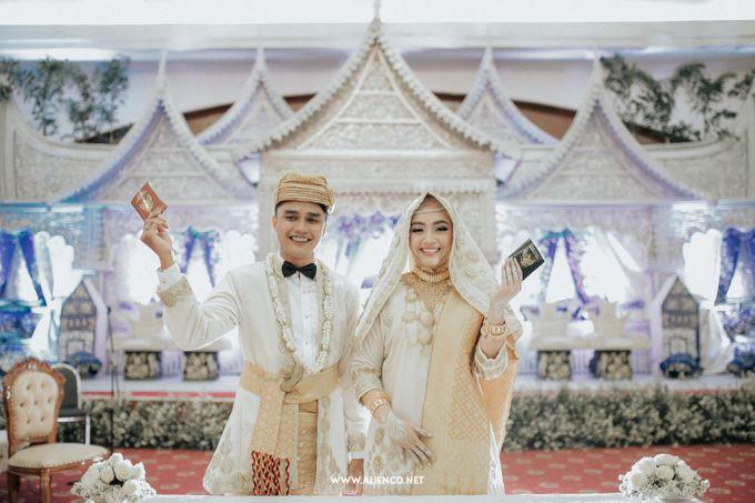 The Wedding Of Fara & Alief by alienco photography - 020