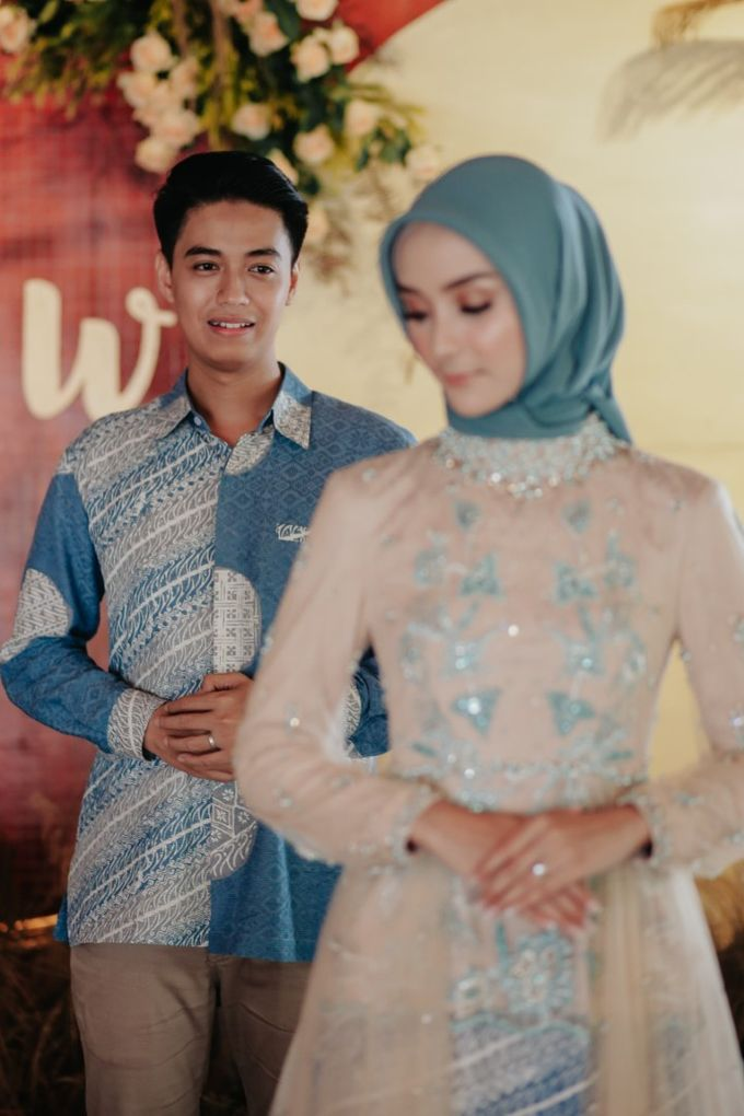 The Engagement of Melly & Wisnu by alienco photography - 041