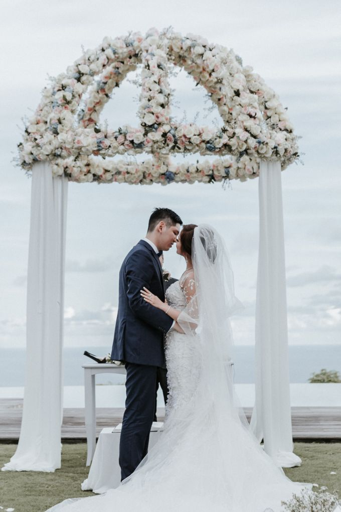 Wedding of Christopher & Catherine at Pandawa Cliff Estate by Silverdust Decoration - 012