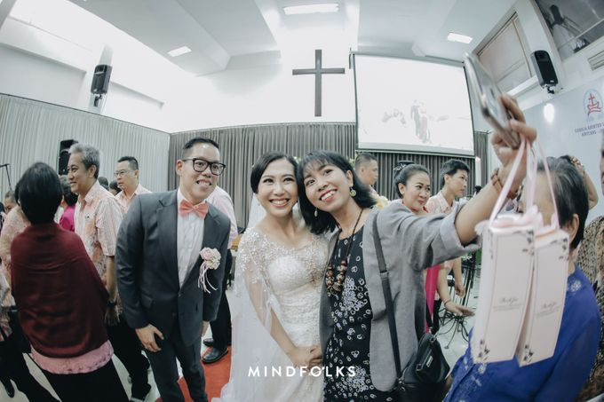 From Ricky & Desti Holy Matrimony by Skenoo Hall Emporium Pluit by IKK Wedding - 006