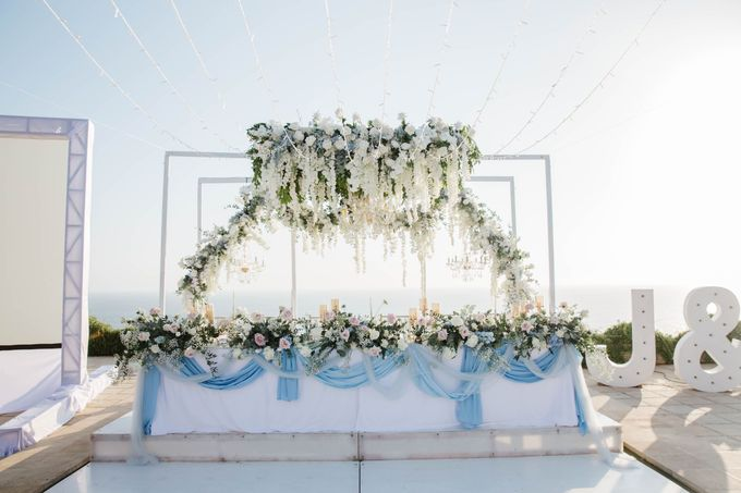 Charming Airy-blue Clifftop Wedding at Sunset Plenilunio Bali by Silverdust Decoration - 006