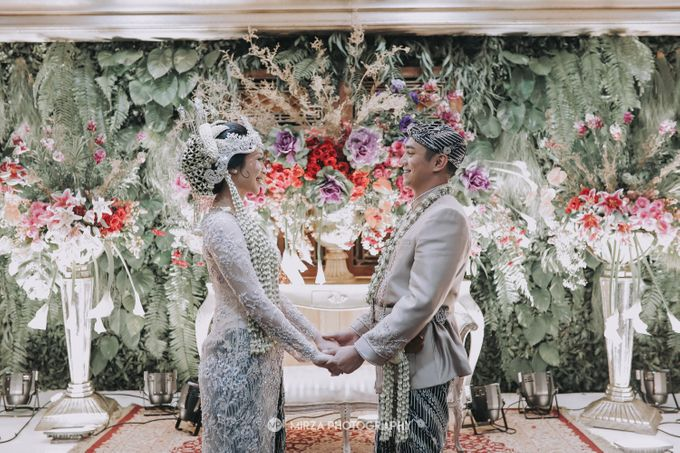 Saga & Manda Wedding at Hotel Santika Bintaro by Mirza Photography - 026