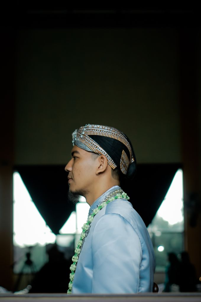 Wedding Ratri & Arief by aaron Photo & Cinema - 008