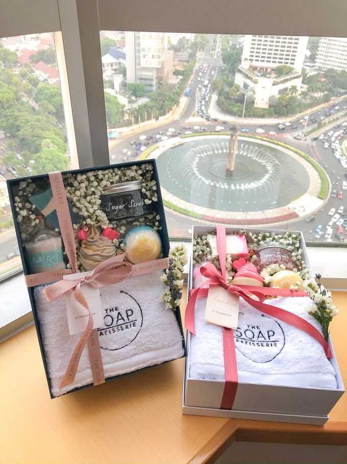 Bridesmaids and Groomsmen Gift Boxes for Delon & Aida by The Soap Patisserie - 003