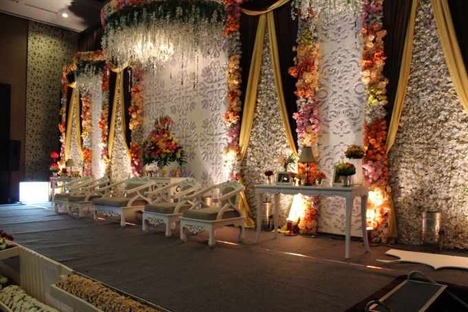Wedding Decoration & Set Up at Holiday Inn Bandung Pasteur by Holiday Inn Bandung Pasteur - 011