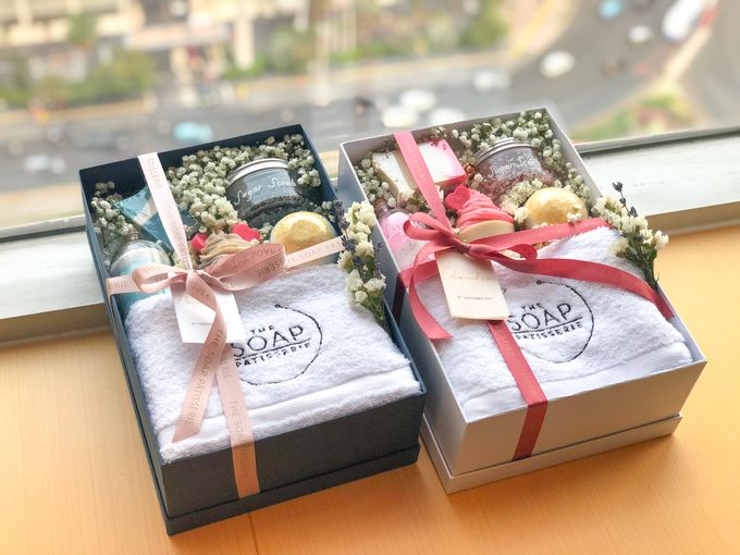 Bridesmaids and Groomsmen Gift Boxes for Delon & Aida by The Soap Patisserie - 004