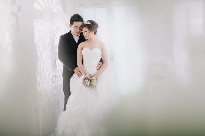 Hermanto And Chris Prewedding by Robin Alfian Photography - 001