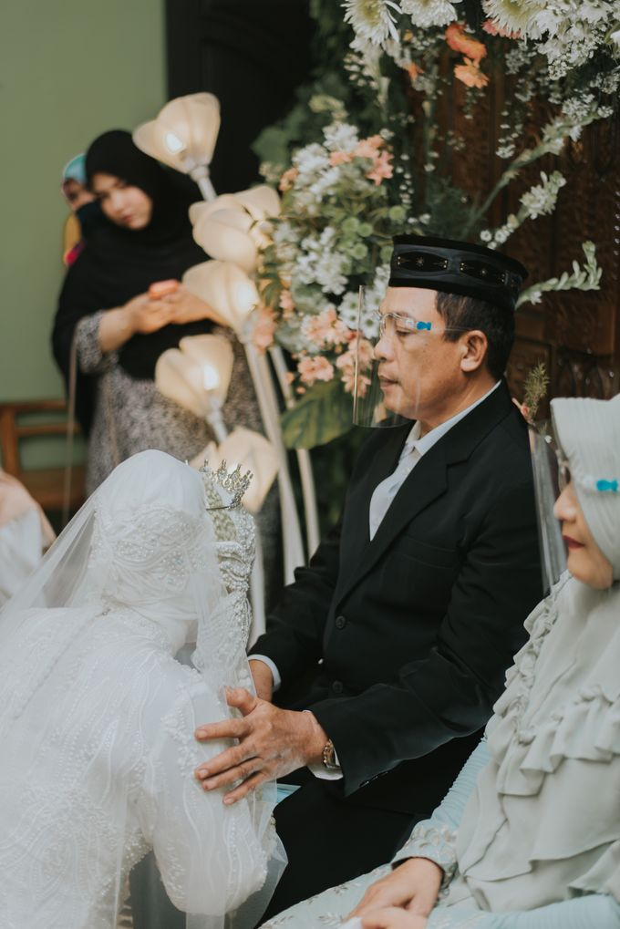 dr. Tia & Puguh Wedding by SAND WEDDING ORGANIZER - 007