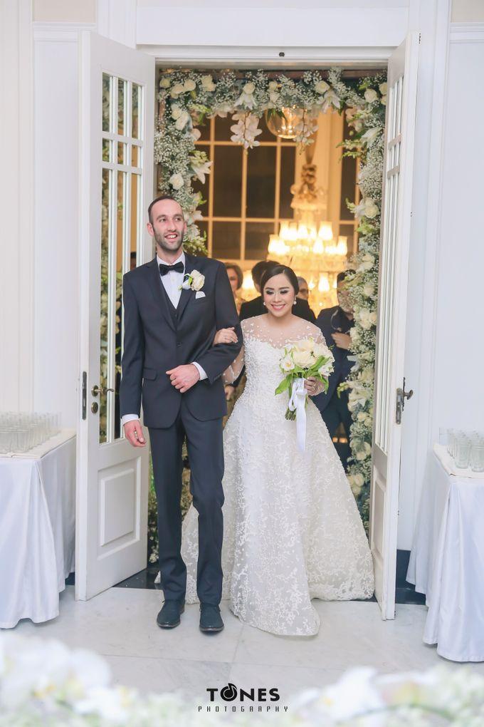 Yulia and Frank Wedding Day by Vivi Valencia - 002
