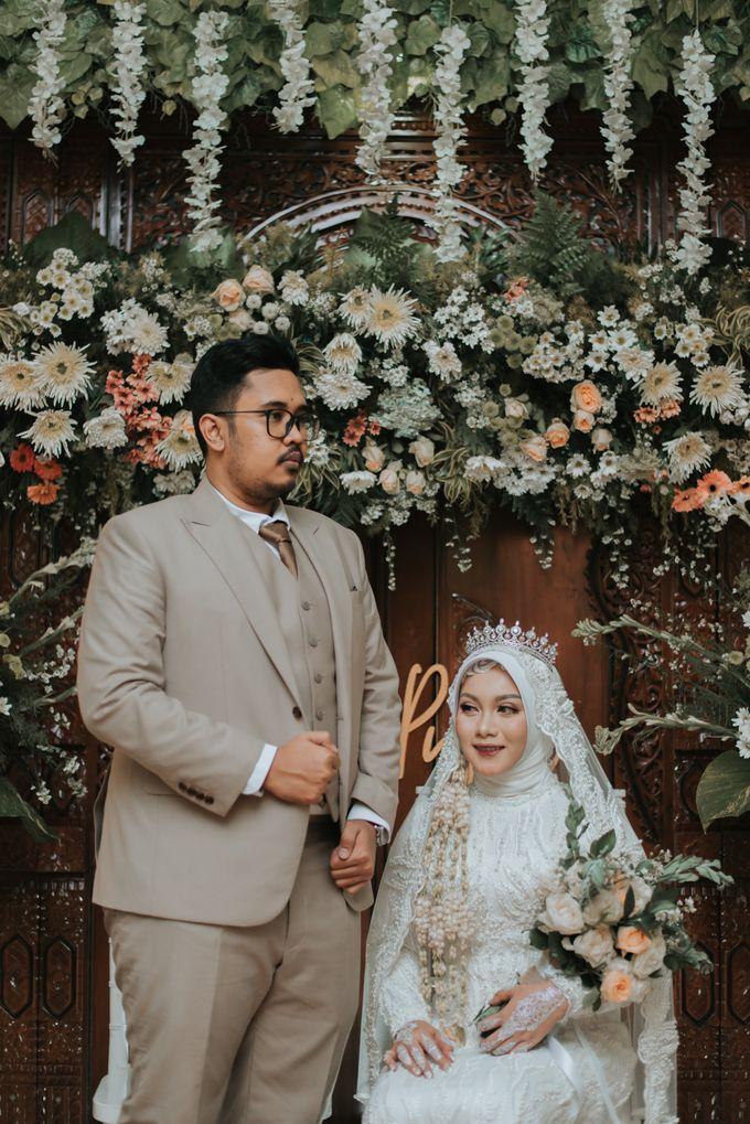 dr. Tia & Puguh Wedding by SAND WEDDING ORGANIZER - 010