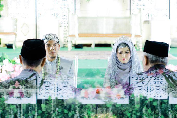 Wedding Ratri & Arief by aaron Photo & Cinema - 013