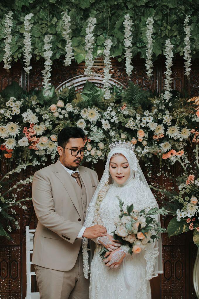 dr. Tia & Puguh Wedding by SAND WEDDING ORGANIZER - 011
