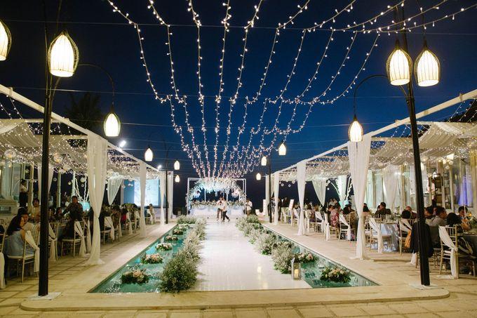 Charming Airy-blue Clifftop Wedding at Sunset Plenilunio Bali by Silverdust Decoration - 014