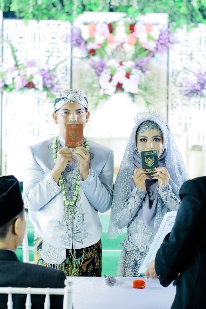 Wedding Ratri & Arief by aaron Photo & Cinema - 014