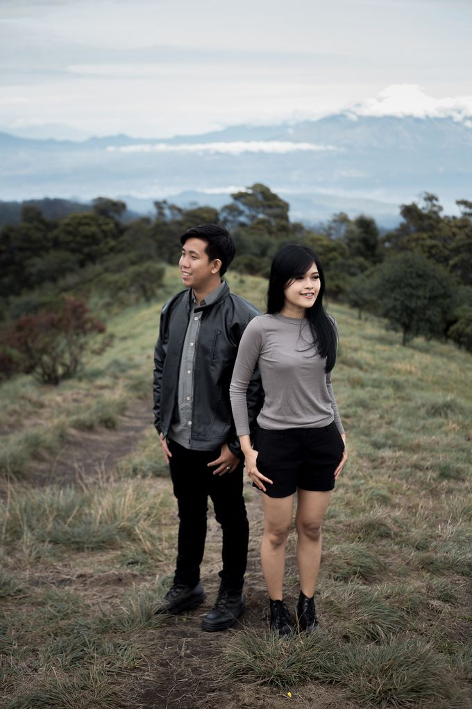Prewedding Bromo by blacksweetphoto - 004