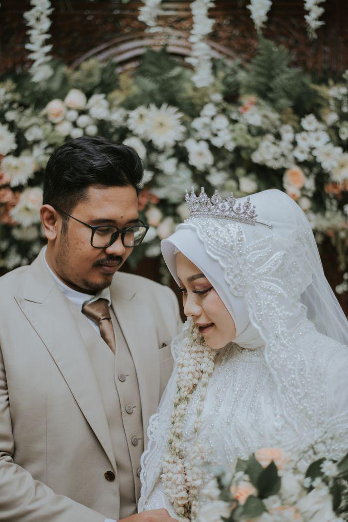 dr. Tia & Puguh Wedding by SAND WEDDING ORGANIZER - 009