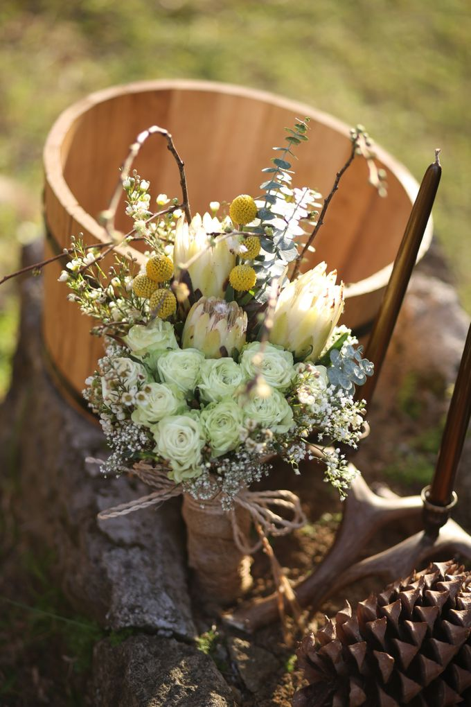 Bridal Bouquets by Natural Art Flowers and Decors - 016