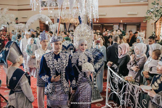 The Wedding Of Fara & Alief by alienco photography - 030