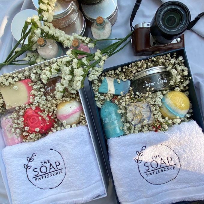 Bridesmaids and Groomsmen Gift Boxes for Delon & Aida by The Soap Patisserie - 005