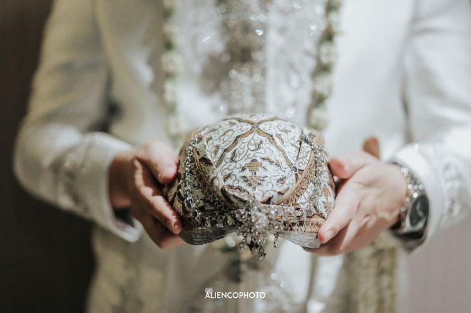 GEDUNG ANTAM WEDDING OF WINNIE & ANAS by alienco photography - 035