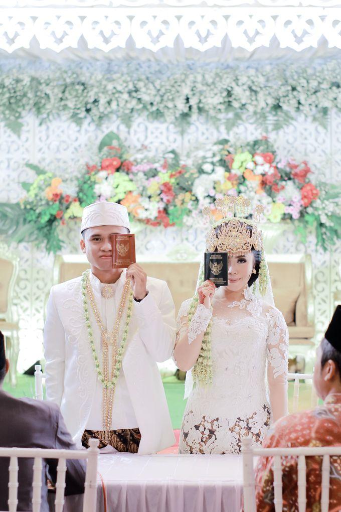 Wedding Intan & Agung by aaron Photo & Cinema - 011