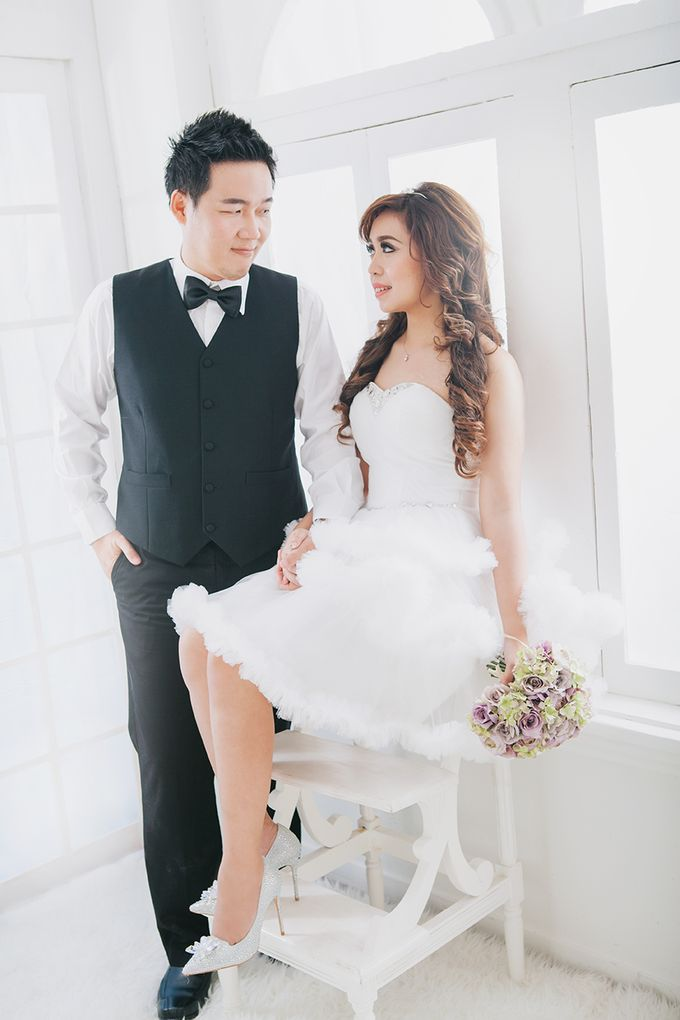 Hermanto And Chris Prewedding by Robin Alfian Photography - 002