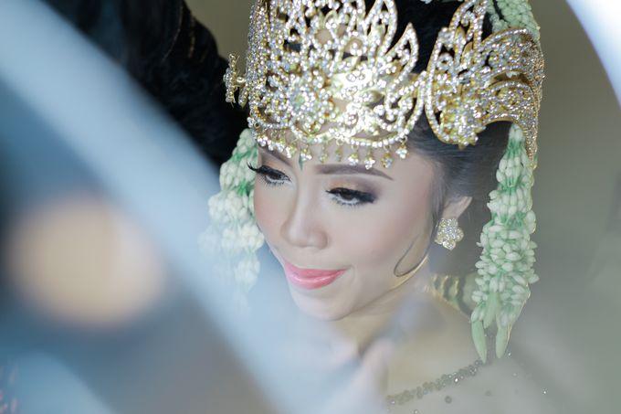 Wedding Intan & Agung by aaron Photo & Cinema - 013
