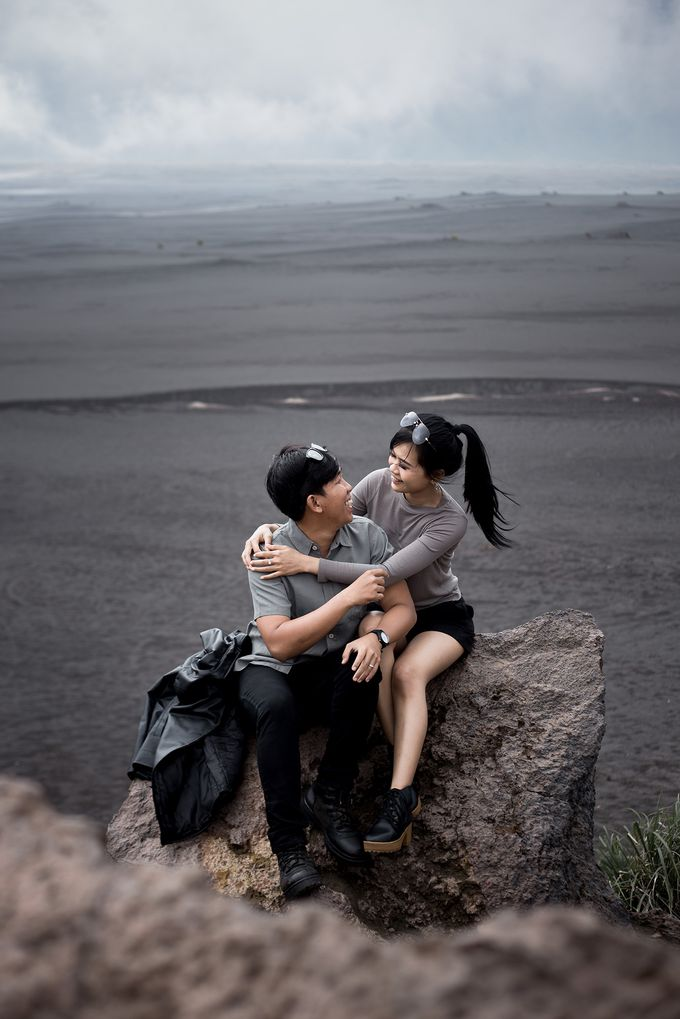 Prewedding Bromo by blacksweetphoto - 002