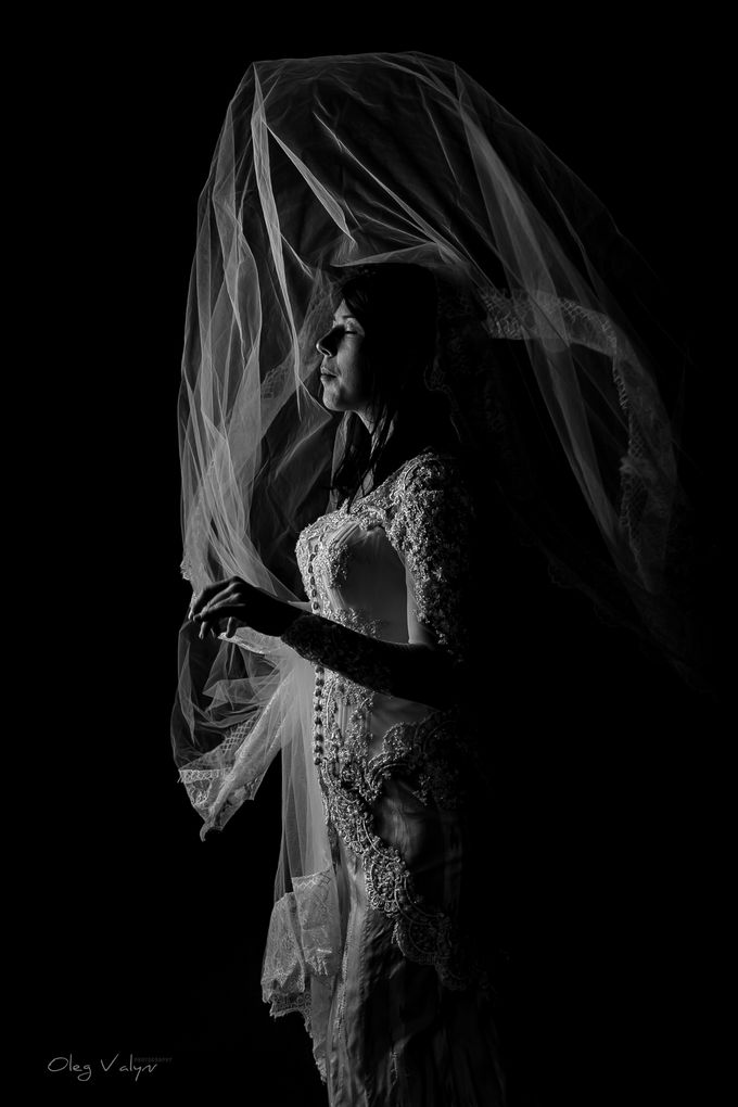 HER before being wed by Valyn Photography - 003