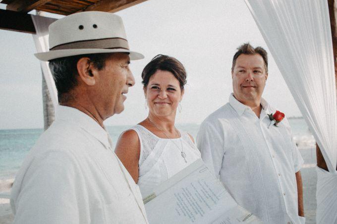 Weddingday Mr & Mrs Hindman by Topoto - 002