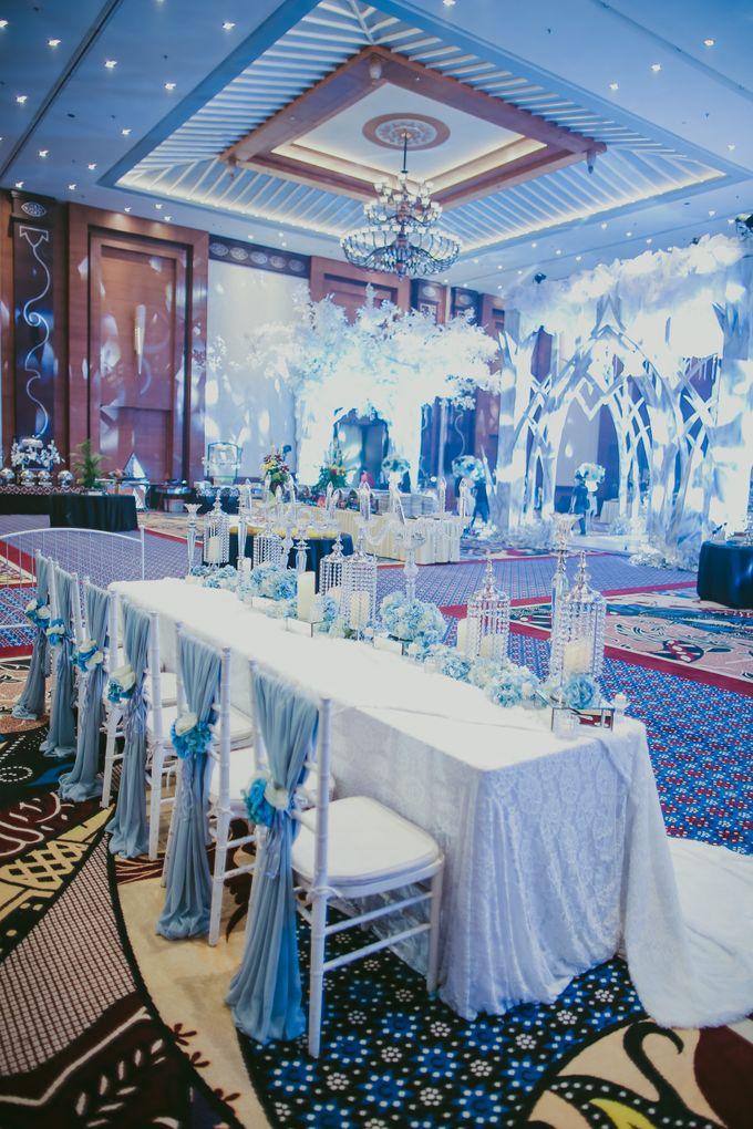 Winter Wonderland Wedding By Seyvia Charis Bridestory Com