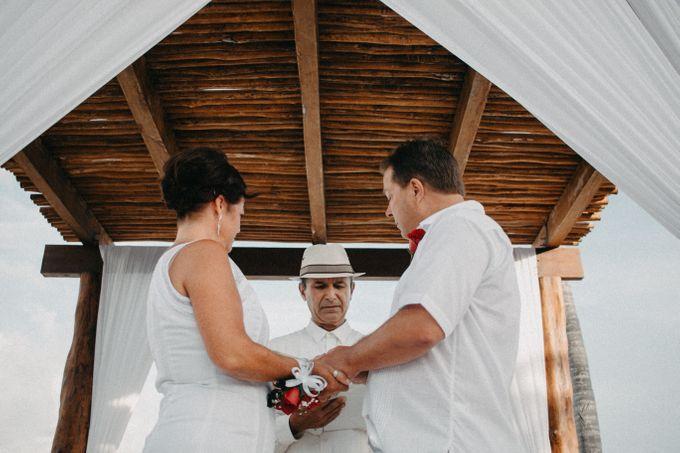Weddingday Mr & Mrs Hindman by Topoto - 011